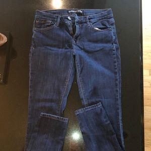 6 regular mid rise jeans